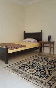Affordable cozy standalone single bedroom en-suite