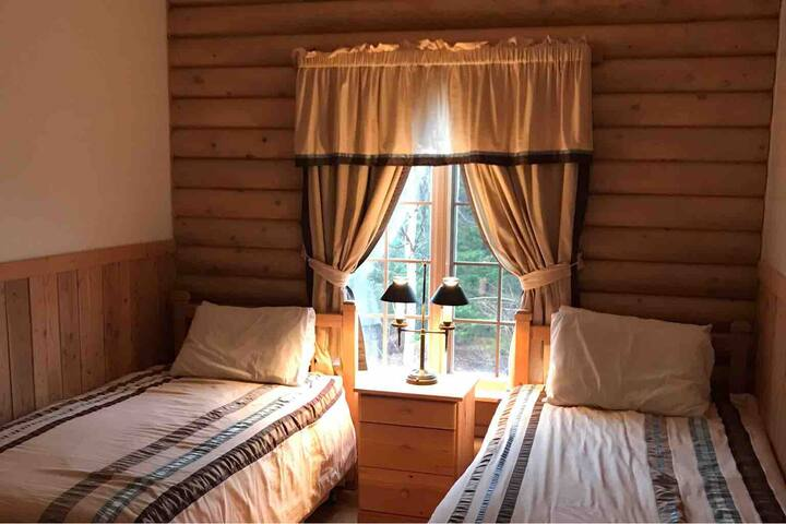 Larch Meadow room