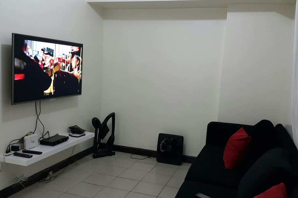 Living area. Equipped with large TV and high speed internet.