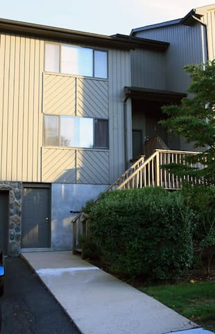 3 BR 2 BA with parking & wifi (32) - Bridgewater