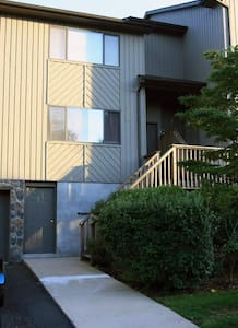 3 BR 2 BA with parking & wifi (32) - Bridgewater - Apartment