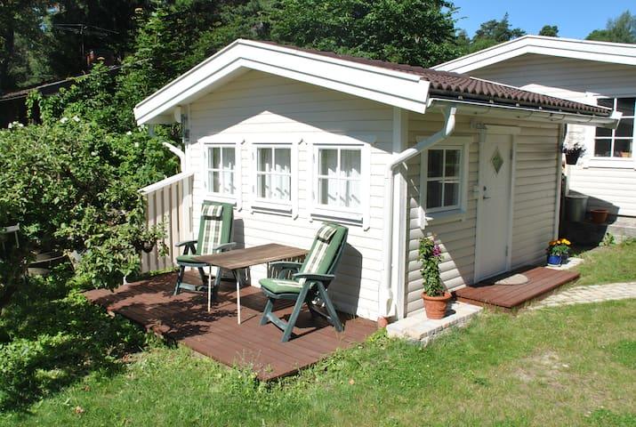 Stuga nära hav och Stockholm 30 min - Åkersberga - Maison