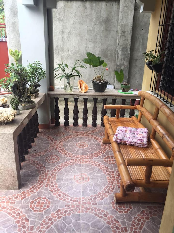 Nice 3-br house most close to Silliman Beach
