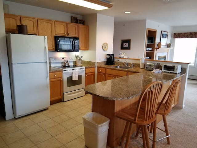 Smugglers Notch VT 3 Bedroom  Ski-In/Out Condo