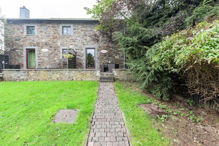 Charmantes Cottage in Stoumont mit farbenfrohem Garten