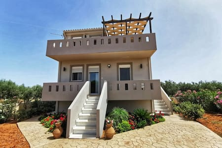 Villa Styliana - Annisaras - near the beach
