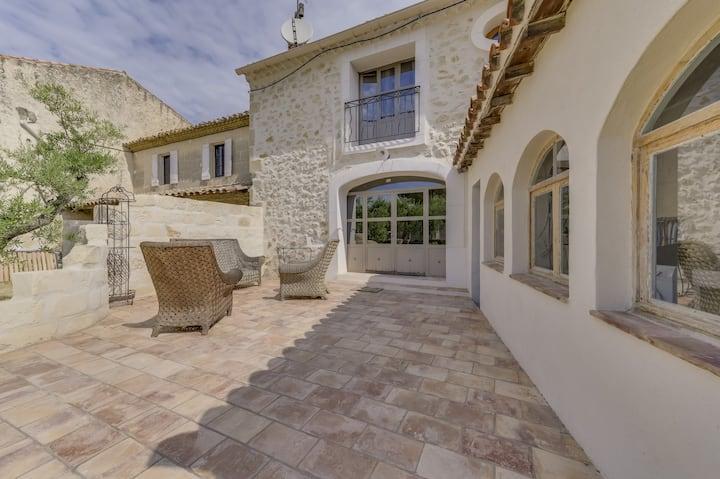 Garrigue - Maison avec jardin proche Avignon