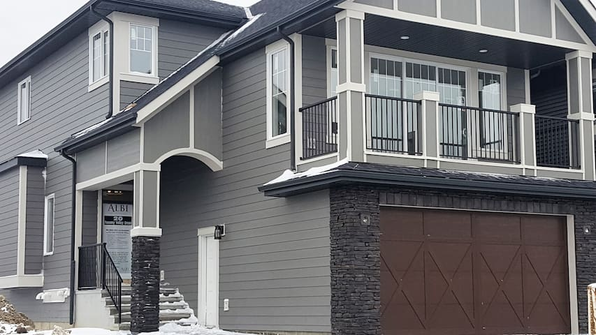 Stay in Comfort in Calgary's NW Community Tuscany