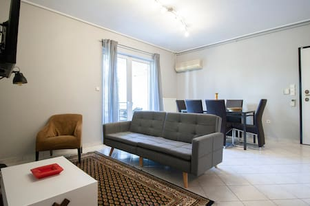 Cozy & Relaxing Apartment in Agia Paraskevi