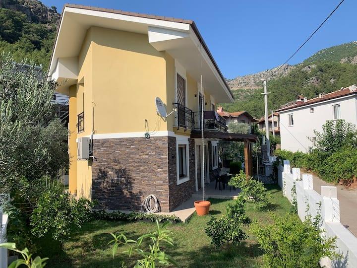 Güvenli ve Huzurlu bir tatil Villa Hilal'de