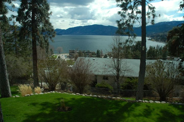Ponderosa Pines - Peachland - Appartement
