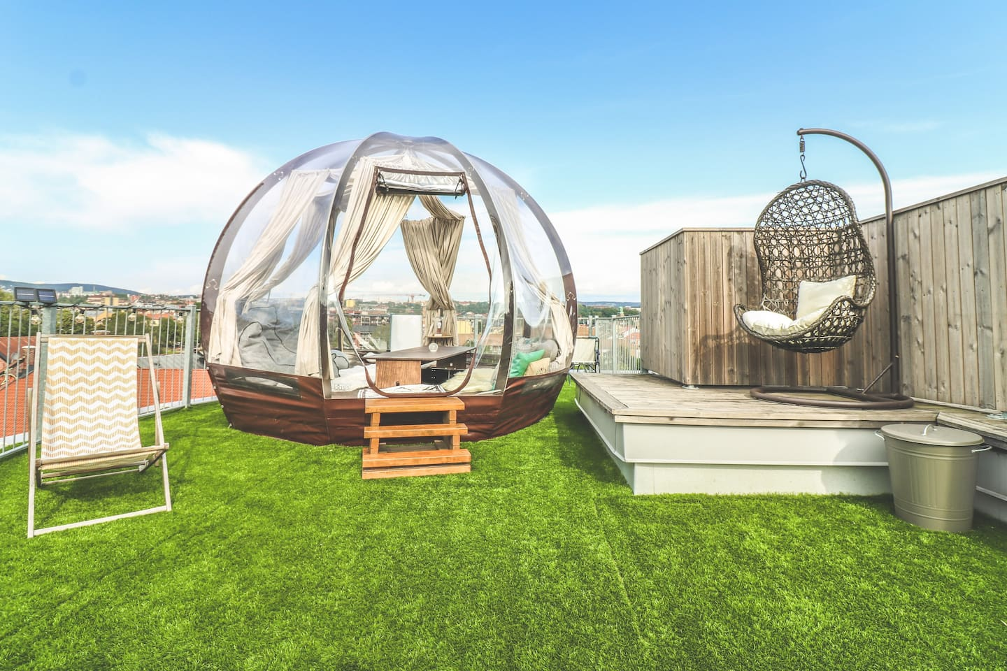 "Welcome to ""AC's Oasis"" :) Penthouse dome home in the city center with FANTASTIC views over Oslo! You will have the feeling of being in your own private rooftop park while having the possibility to sleep under the stars in the dome :)"
