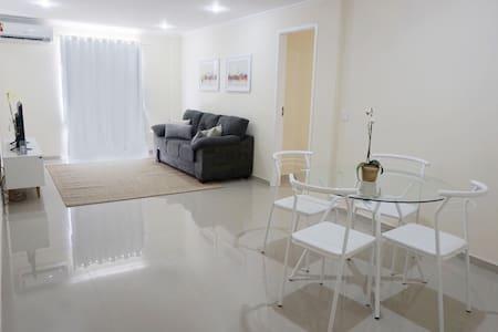 Apartamento Temporada 02 quartos em Angra