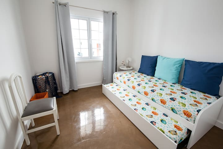 Bedroom 3 with two single beds