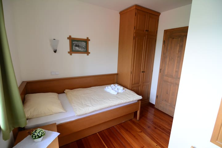 Single room in the wine region Jeruzalem