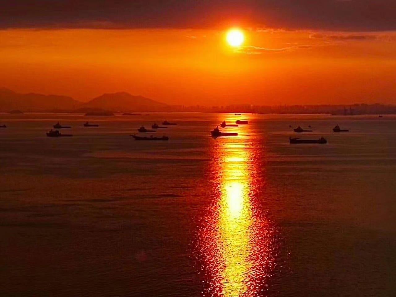 落日余晖中的巽寮湾