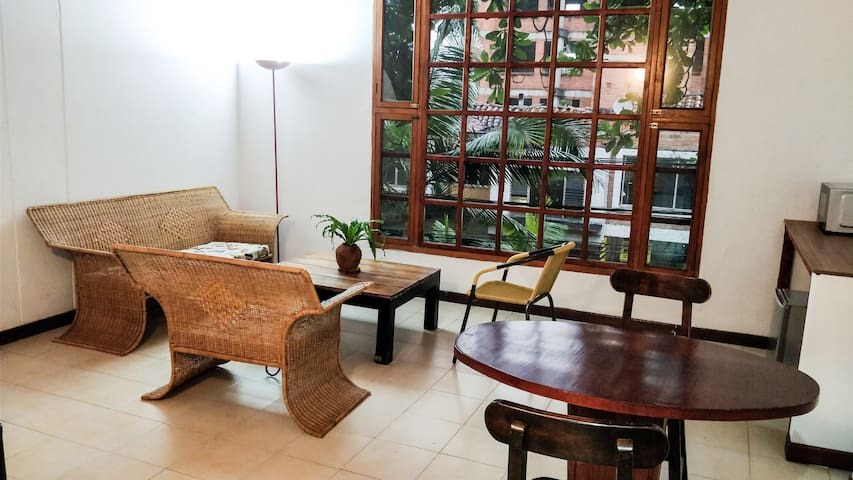 Spacious Studio in Parque Lleras/ Poblado