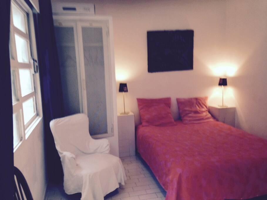 chambre lit en 140 deux armoires