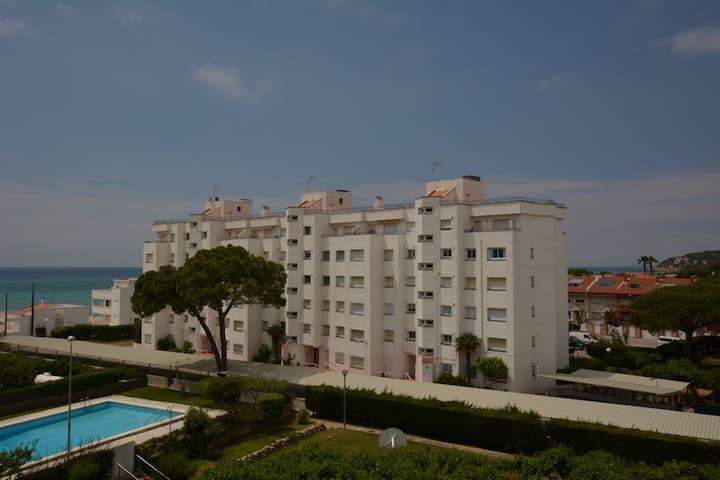 Apartamento a pie de playa con piscina-Altafulla