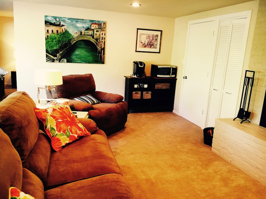 Relax after a long day of exploring the city, or wine country, in front of the tv and fireplace.