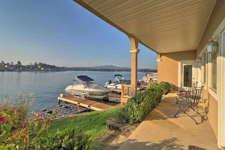 You won't get better access to Lake Hamilton than from this spot!