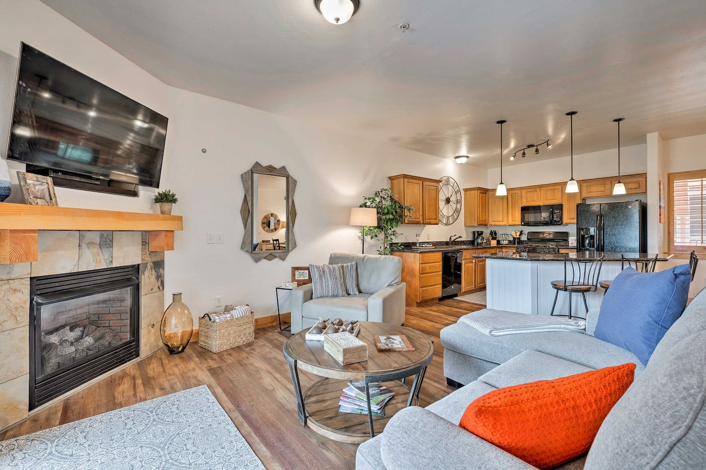 Restore your energy in this lovely vacation rental condo after fun in Park City.