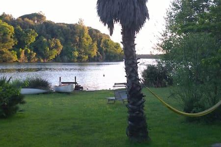 cottage sul lago - Sabaudia