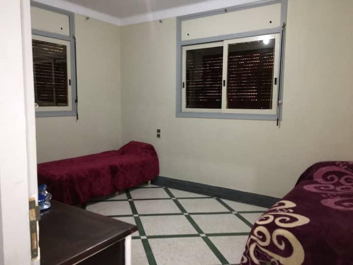 chambre privée à petit prix  pour femme seulement