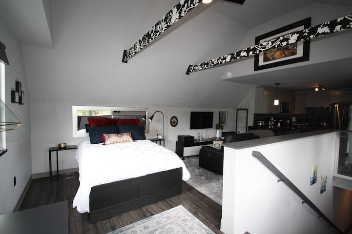 Loft & other monthly rentals available - just Ask