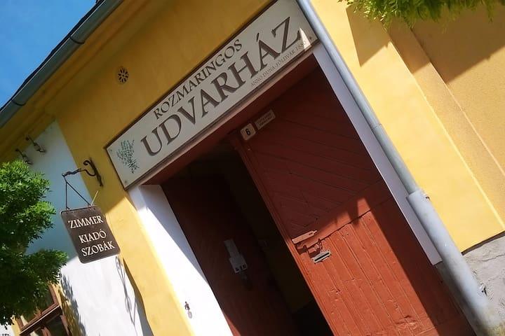 Rozmaringos Udvarház, vendégház!