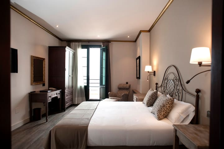 Hotel Modernista - Tossa de Mar - Bed & Breakfast