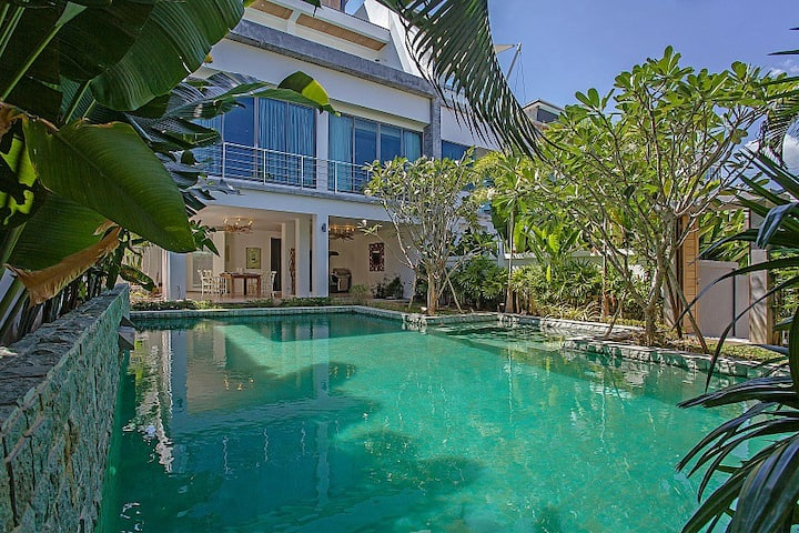 Luxury 4 bdr villa Nai Harn
