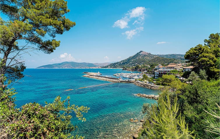 Holiday apartment with 1 bedroom on 40m² in Laureana Cilento