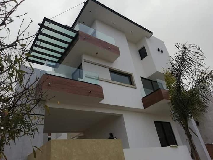Preciosa habitación con terraza