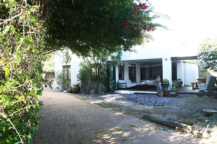 Elands Beach Cottage