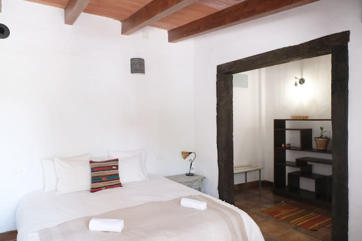 The Wild Olive Andalucía Agave Guestroom