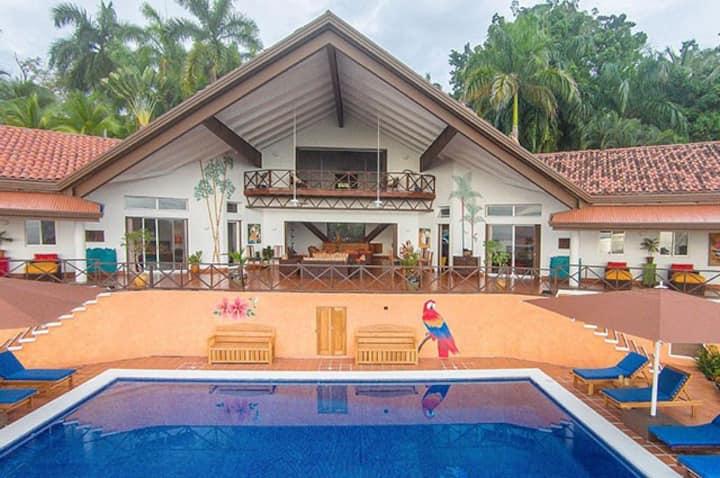 ***CHEF INCLUDED Villa Pelicano Private Estate***
