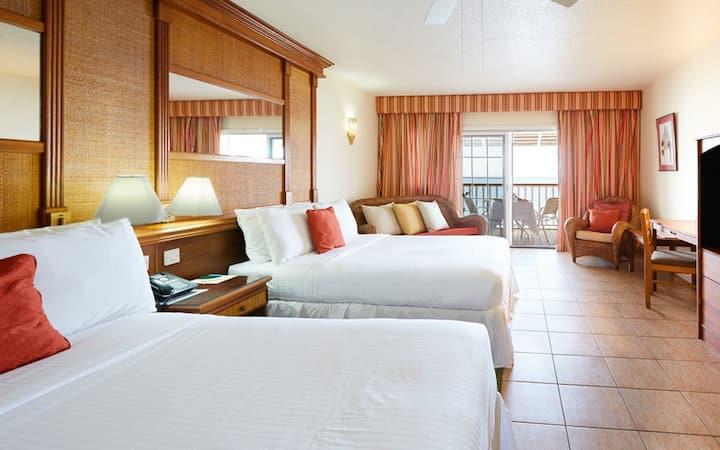 Fort Young Hotel - Deluxe Oceanfront Room