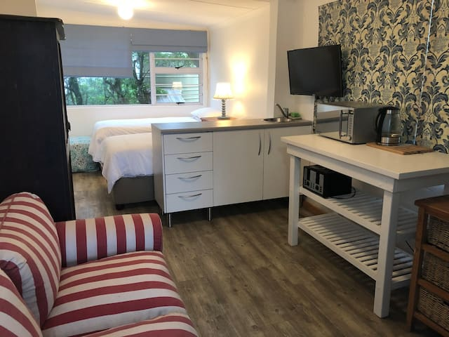Morgan Bay-Self catering unit ideal for travelers