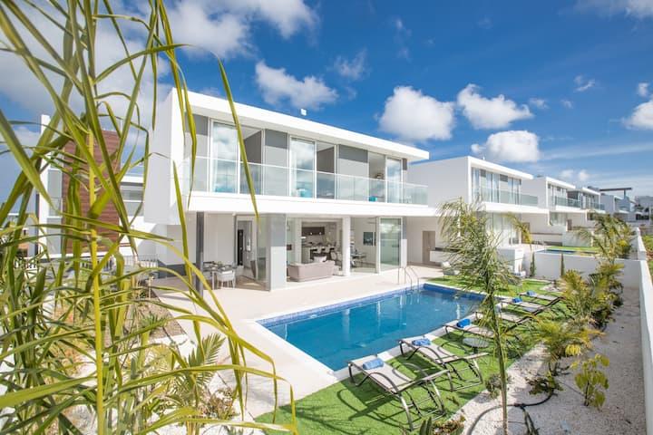 Villa Nikita, Luxury and New 3BDR Protaras Villa