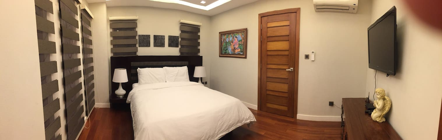 safe and cozy room in a nice home - Taguig - House