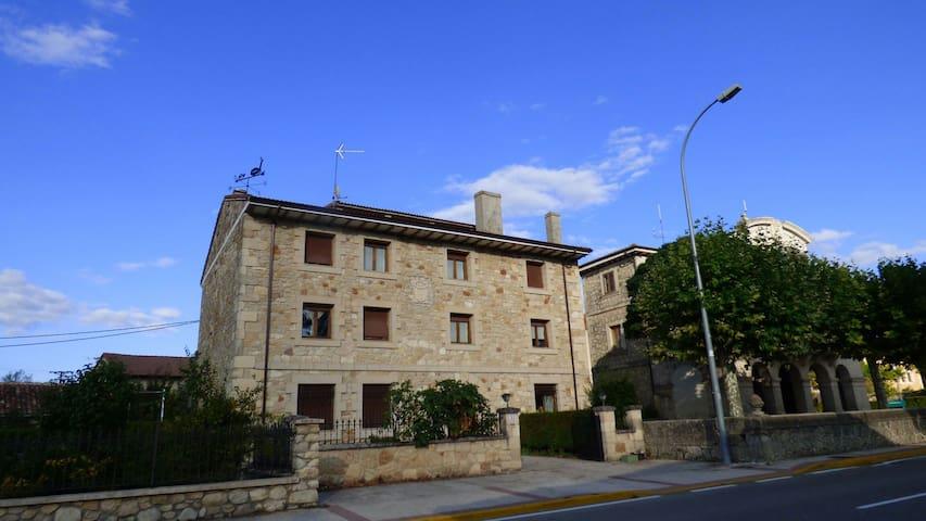 Casa en entorno rural en Las Merindades, Chez Pitu