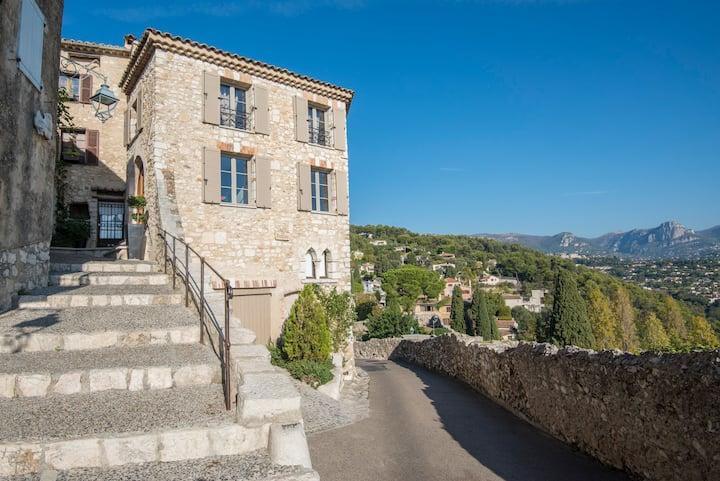 Maison 4*NN au coeur du village , vue panoramique