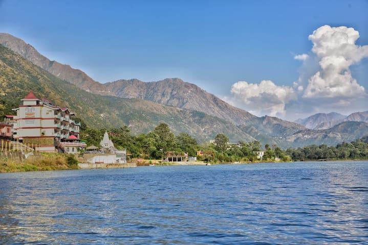 Ayurvedic Spa |Hotspring Pool|Lake View