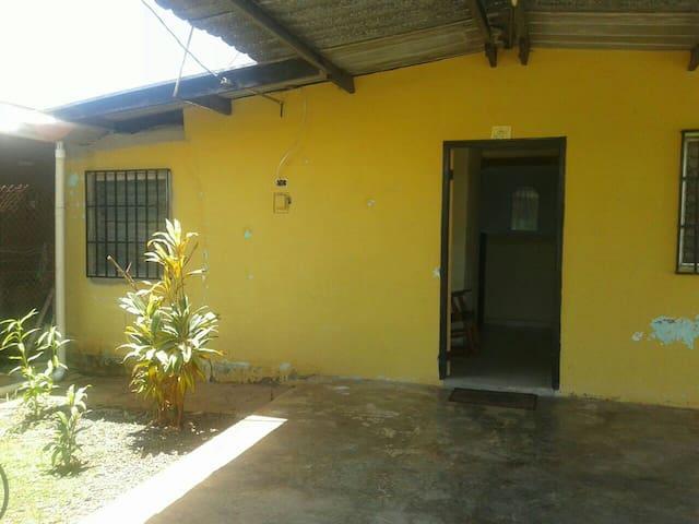 Casa Amplia Dos Recamaras - Chitré - Casa