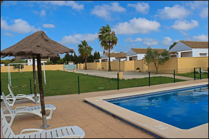 Tourist Complex with Pool in Conil (172)