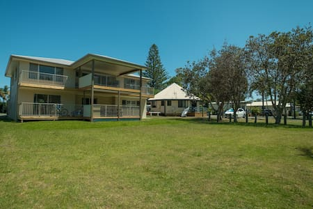 Forster Tuncurry Lake Villa @ BIG4 Great Lakes - Tuncurry - Apartemen