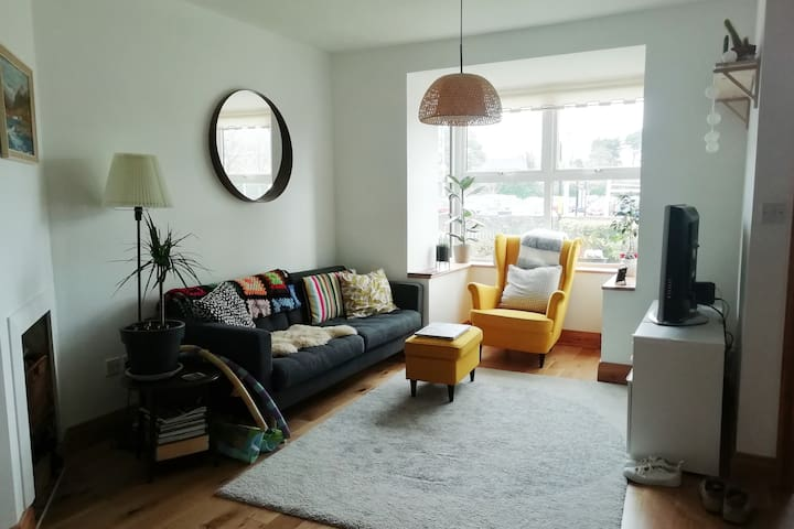 3 Bed Family Home | Sleeps 6 | Excellent Location