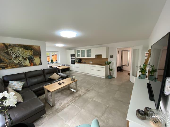 Luxuriöse Wohnung mit Profi-Office am Lippesee