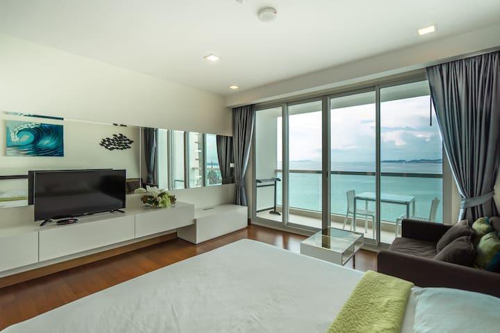 Beachfront Seaview Suite